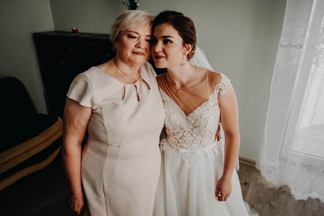 Vestuvinė fotosesija nuotakos pasiruošimas mama Vilnius fotografas