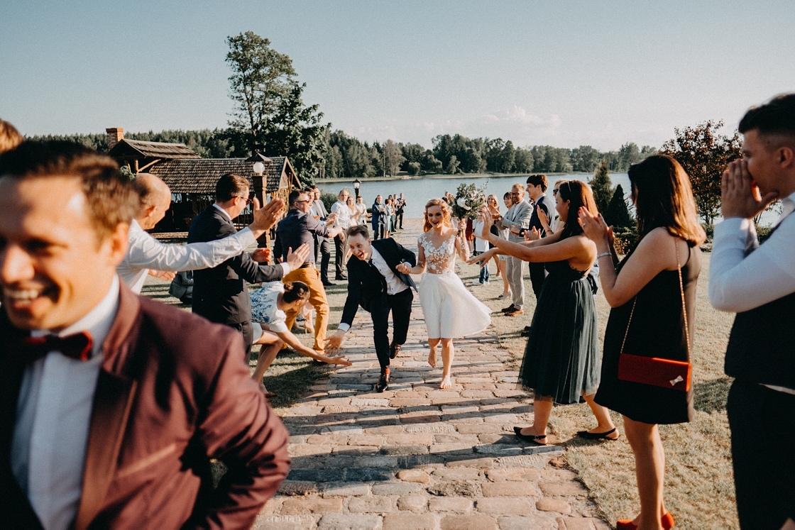 Vestuvių fotosesija jaunųjų pasitikimas