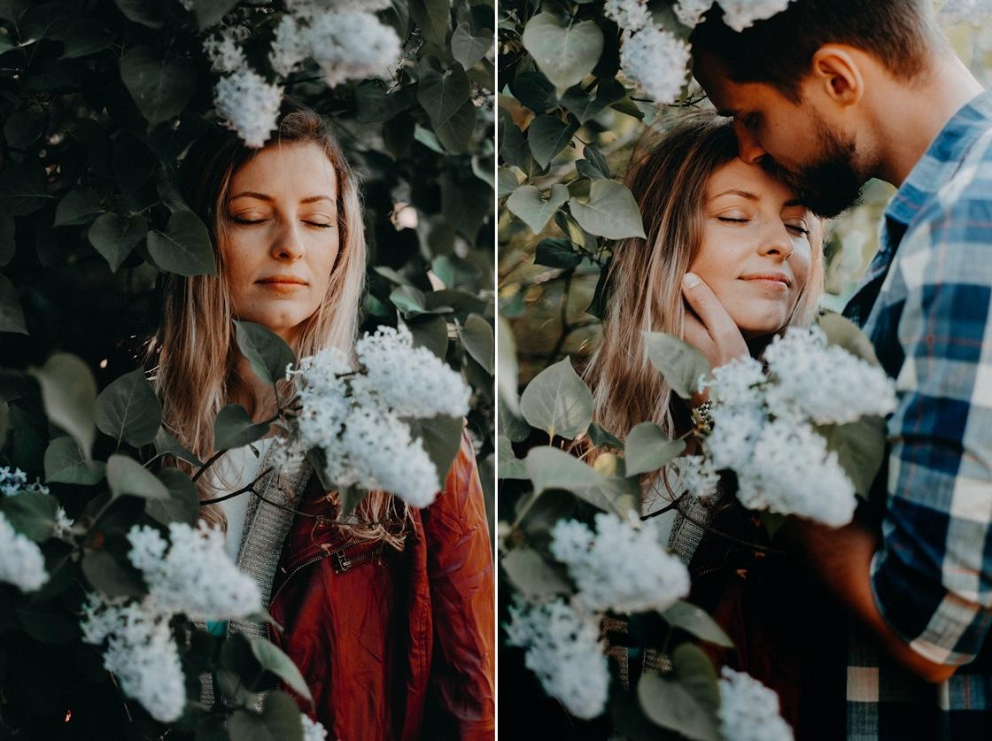 Priešvestuvinė Love story fotosesija Nidoje žydinčios alyvos