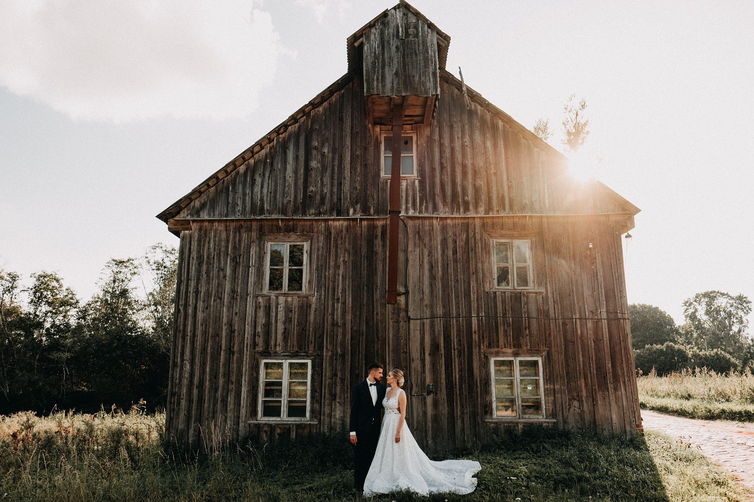 vestuvinė fotosesija apleistas dvaras fotografas Šiauliai