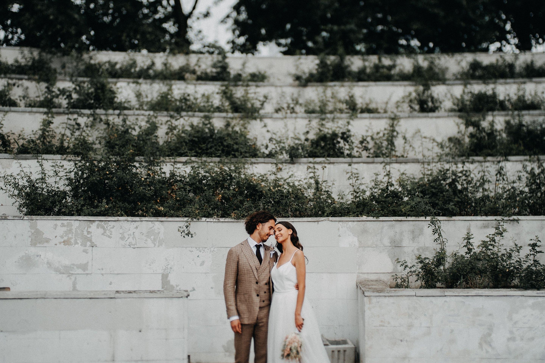 vestuvės jaunieji boho rustic fashion vintage kostiumas suknelė šortukai šortai Vilnius fotografas fotosesija gražiausia geriausias